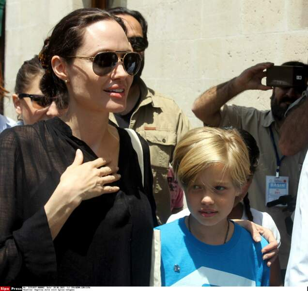 Angelina Jolie emmne Shiloh visiter un camp de réfugiés en Turquie en juin 2015