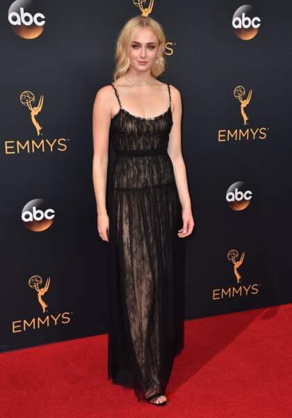 Emmy Awards 2016 : Sophie Turner en Valentino