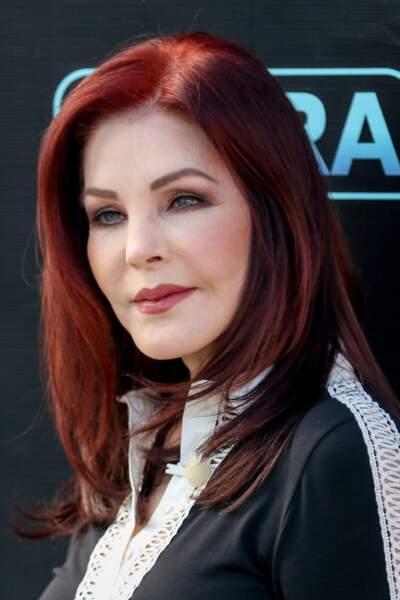 Ces stars qui ont VRAIMENT abusé de la chirurgie esthétique : Priscilla Presley après