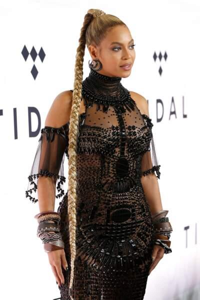 Les plus belles coiffures pour un mariage - La longue tresse de Beyoncé