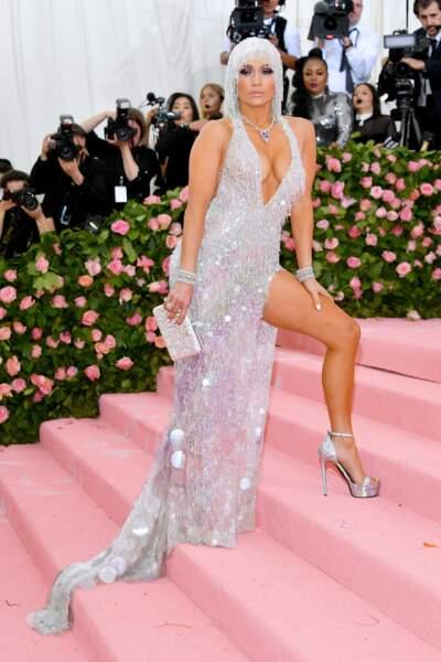 Don't - Jennifer Lopez et sa tenue de très bon goût