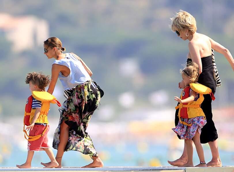 Cela dit, ses enfants portent très bien le gilet de sauvetage !