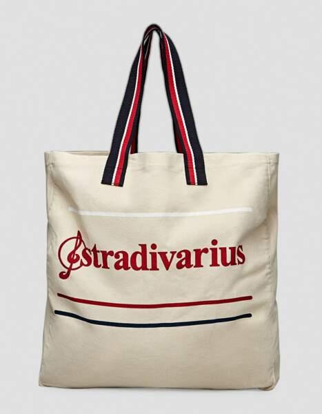 Sac de plage en toile, Stradivarius, 9,99 euros