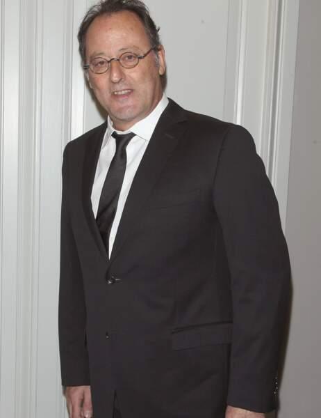 9- Jean Reno perd deux places