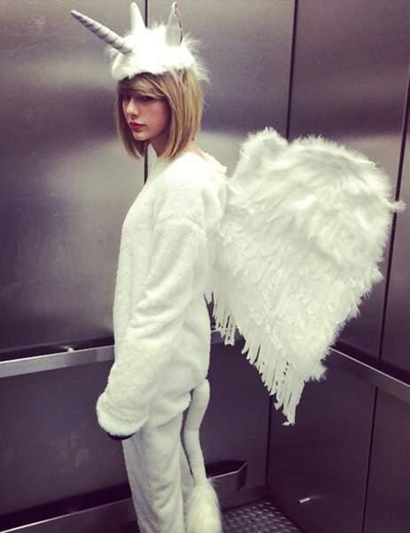 Taylor Swift en Pegacorn (oui, ça existe : mi licorne, mi pégase)