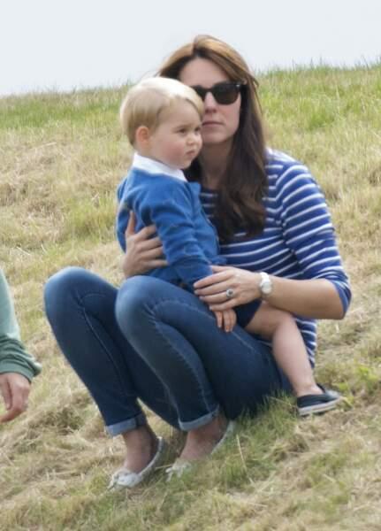Tandis que Kate Middleton veille sur son fils aîné