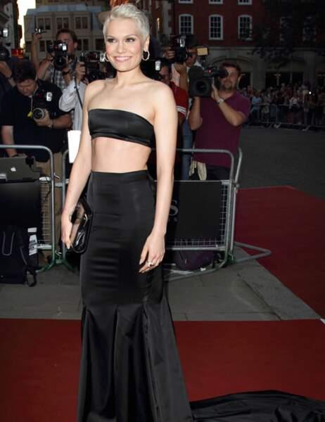 Exactement le genre de tenue que pourrait porter Jessie J, la preuve...