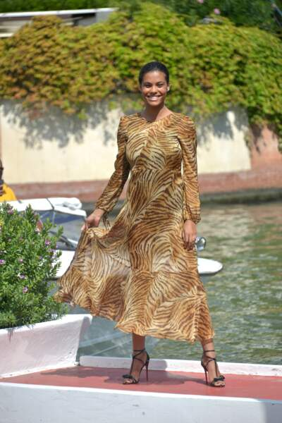 Mostra de Venise : l'arrivée de Tina Kunakey à l'hôtel Excelsior