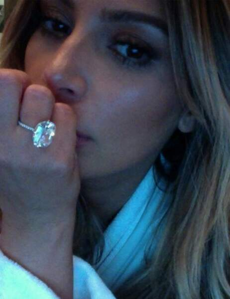 Kim, version blonde et fiancée à Kanye