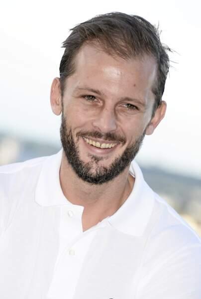 Nicolas Duvauchelle a arrêté les études après le bac français, en 1ère