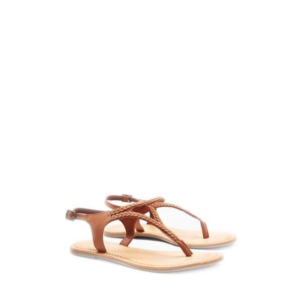 Sandales en cuir à entredoigt tressé. 24€, Next sur www.3suisses.fr