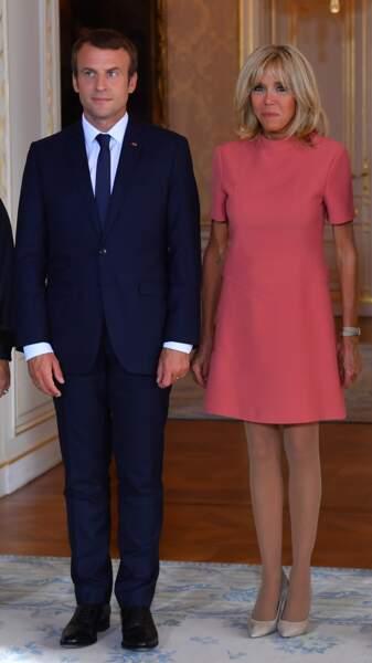 Brigitte Macron en robe courte 60's