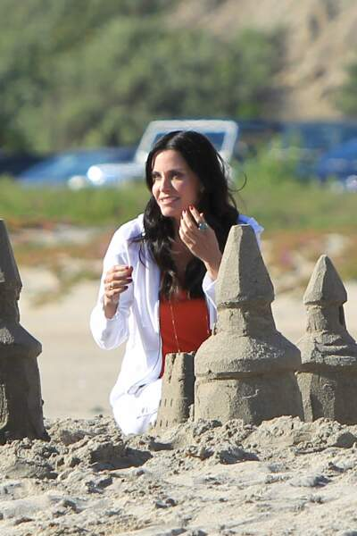 Les people à la plage ? Ils s'amusent comme des gosses : Courteney Cox