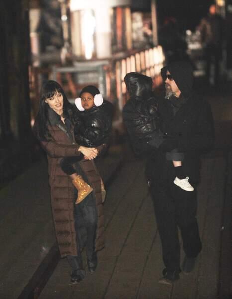 La famille s'agrandit en 2006 avec l'adoption quelques mois plus tôt de la petite Zahara