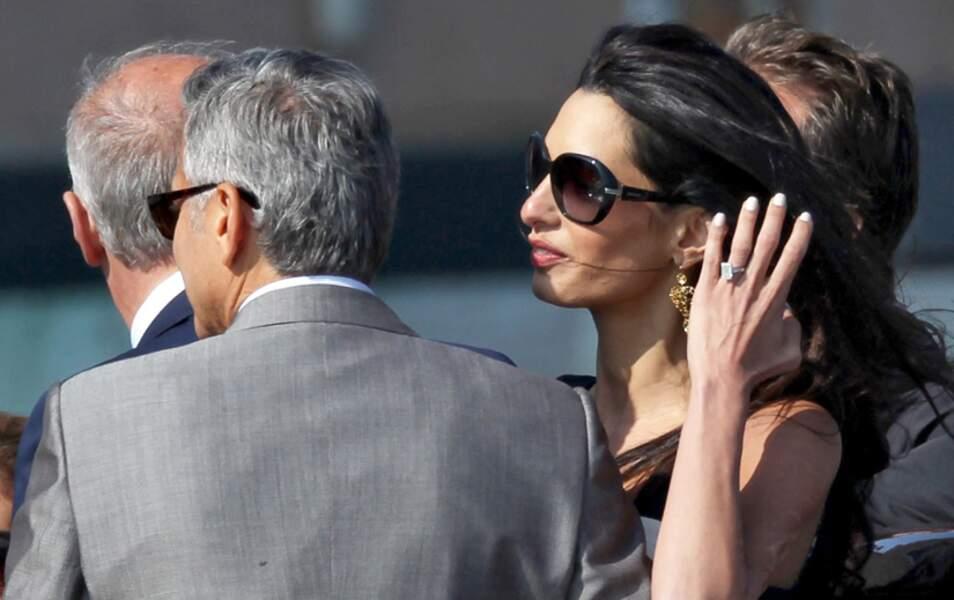C'est bon Amal, on l'a vue ta bague !