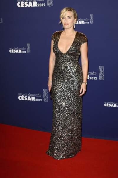 Kate Winslet, magnifique en Jenny Packham pour recevoir son César d'honneur en 2012