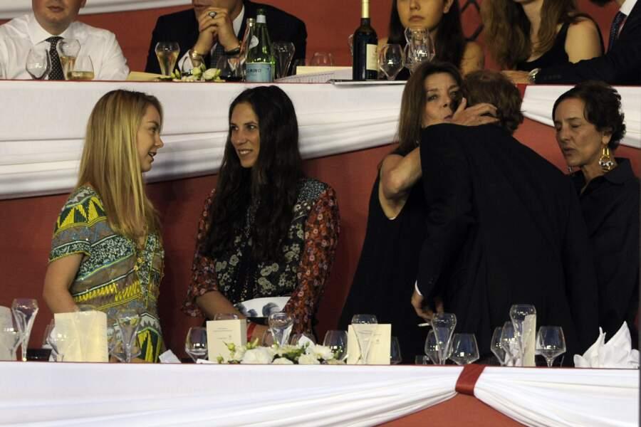Dans les tribunes, Alexandra de Hanovre, Tatiana Santo-Domingo, Caroline de Monaco et Andrea Casiraghi sont là