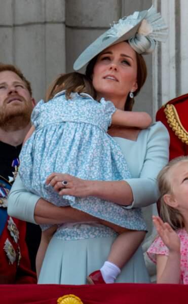 Kate Middleton est aux petits soins pour sa fille