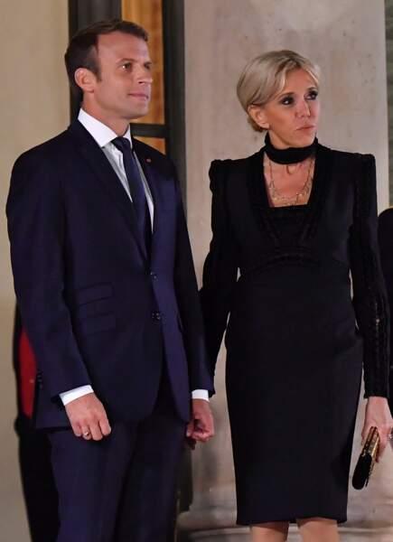 Le chef de l'Etat peut être fière de son épouse, toujours très élégante