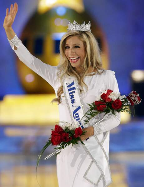 Kira Kazantsev, couronnée Miss America 2015