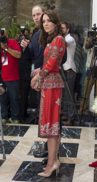 Kate Middleton et le prince William lors de leur arrivée en Inde hier, dimanche 10 avril