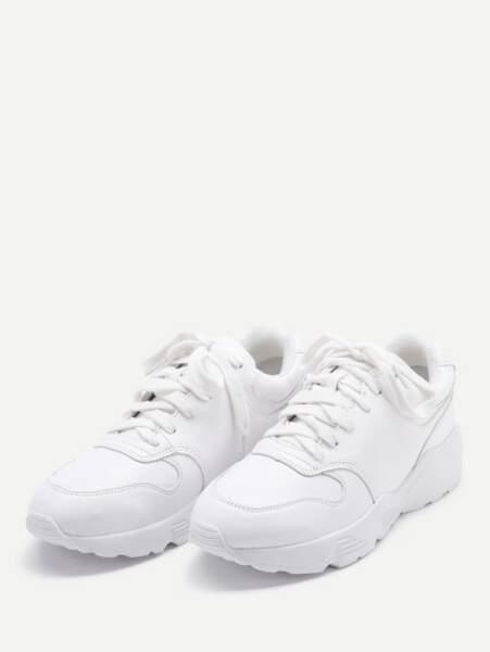 Chaussures de sport en dentelle, Shein, 26,56 euros