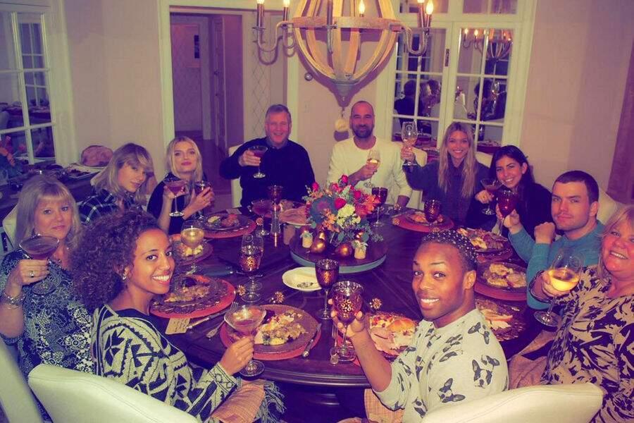 Toute la famille de Taylor Swift réunie
