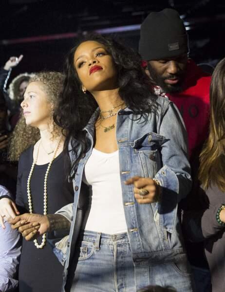 Rihanna s'éclate dans les tribunes