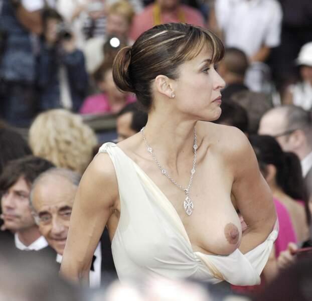 Festival de Cannes, les accidents de tenue les plus sexy - LA star incontestée du genre : Sophie Marceau