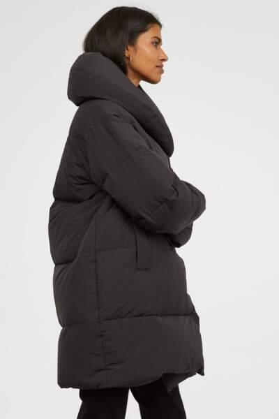 Doudoune longue noire, H&M, actuellement à 89,99€