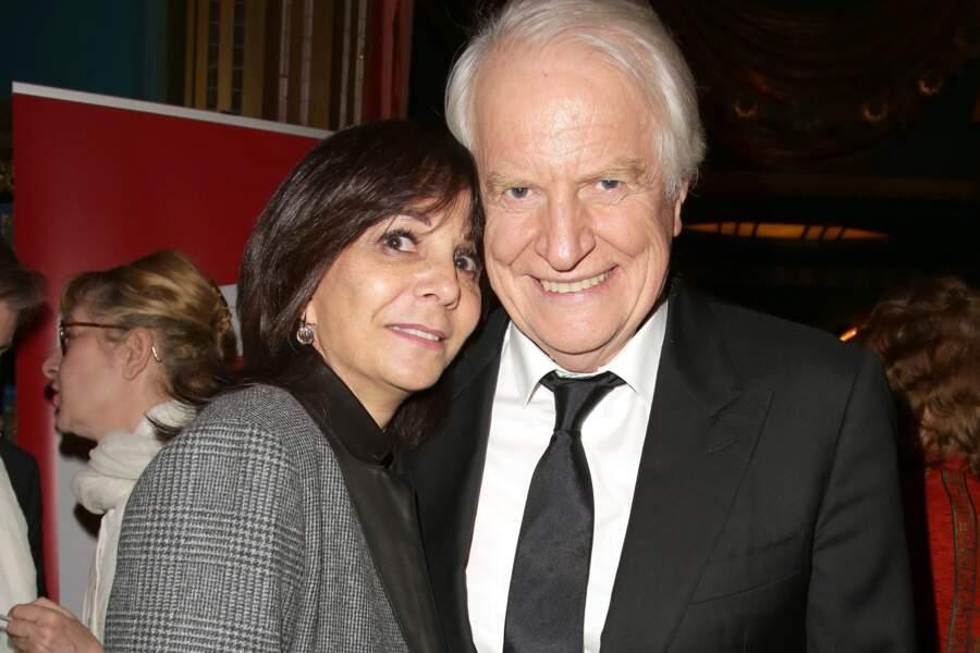 André Dussollier, ravi, avec sa compagne