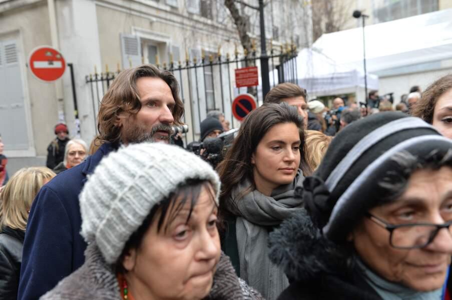 Obsèques de Michel Legrand à Paris : Frédéric Beigbeider et sa femme Lara Micheli