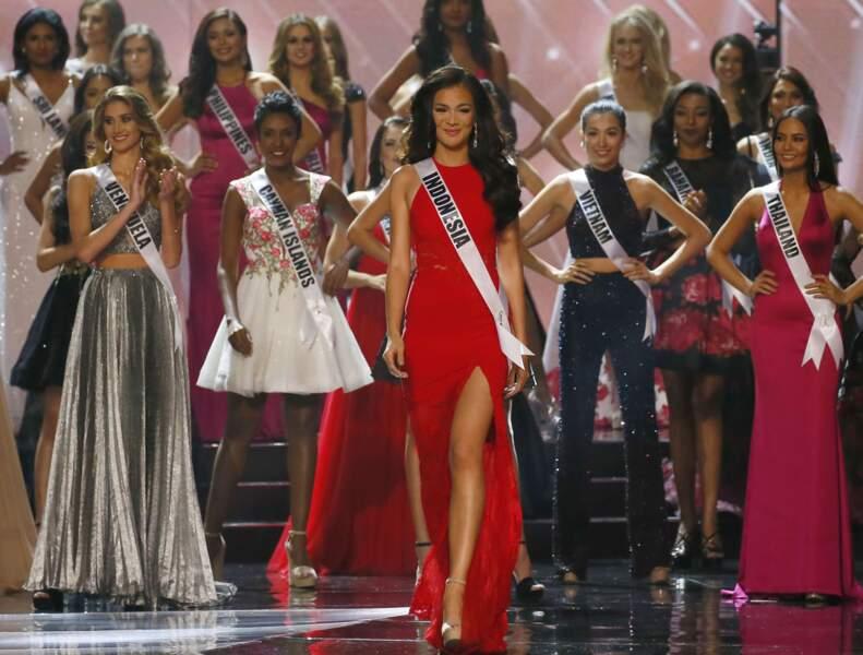 Iris Mittenaere élue Miss Univers : après les bikinis est venue l'heure des robes de soirée