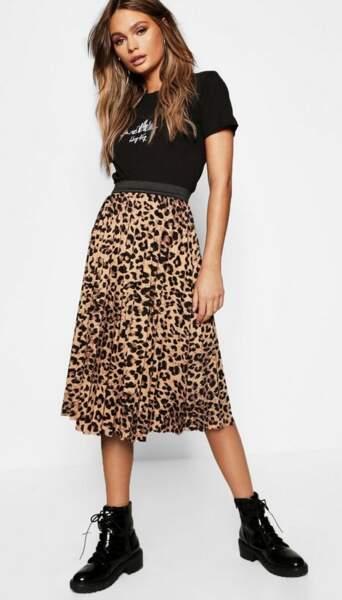 Jupe Midi plisée léopard, Boohoo, 23€