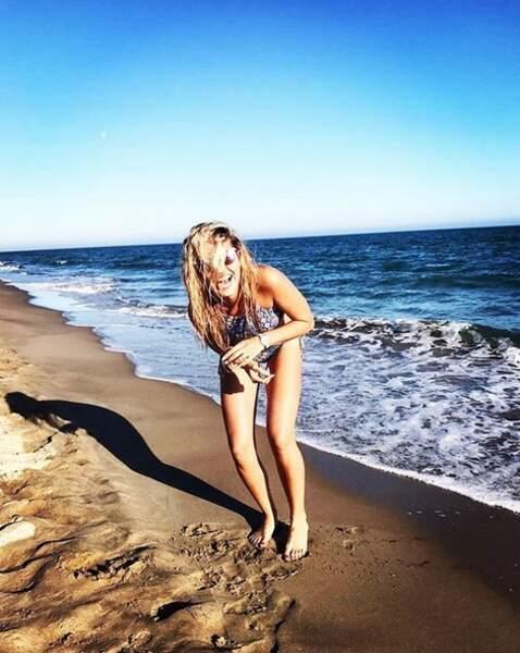 Entre deux tournages et shootings, Tiffany s'éclate à la plage