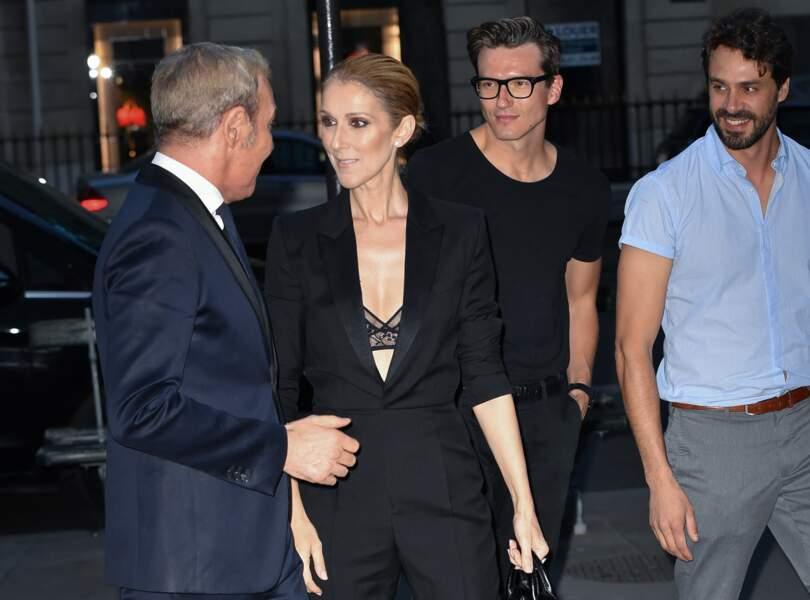 Céline Dion et Pepe Muñoz le 21 juillet 2017 à la sortie du Royal Monceau à Paris