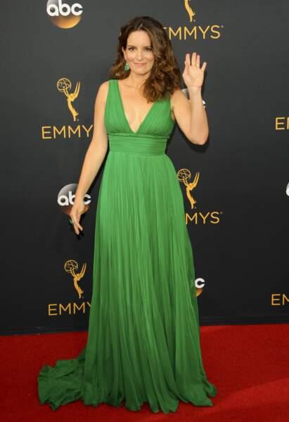 Emmy Awards 2016 : Tina Fey en Oscar de la Renta