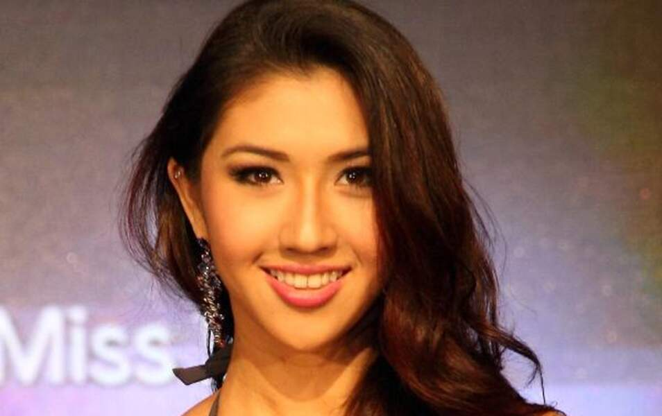 Miss Singapour Maria-Anna Zenieris, 18 ans, 1m66