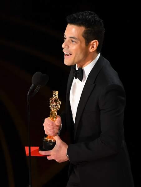Rami Malek reçoit l'Oscar du meilleur acteur pour son rôle dans Bohemian Rhapsody