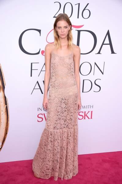 CFDA Fashion Awards : Lexi Boling et sa robe qui en montre beaucoup