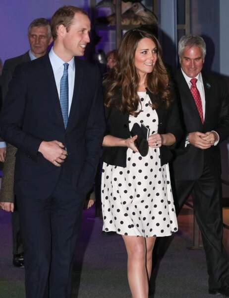 En avril 2013, Kate affiche ses premières rondeurs de femme enceinte