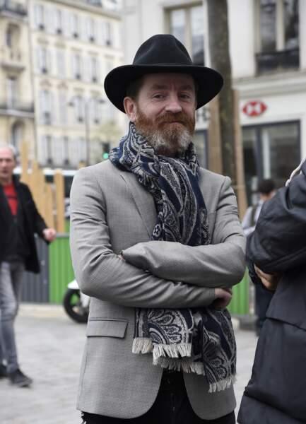 Mathias Malzieu (Dionysos), à l'hommage à Jacques Higelin au Cirque d'Hiver à Paris, le 12 avril