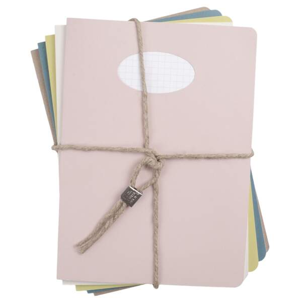 Lot de 5 cahiers .30 € en format A5 et 35 € en format A4, Nina & More
