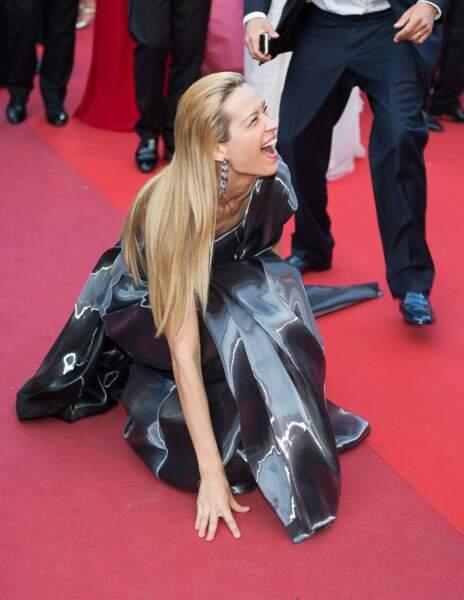 Petra Nemcova s'est écroulée sur le tapis rouge