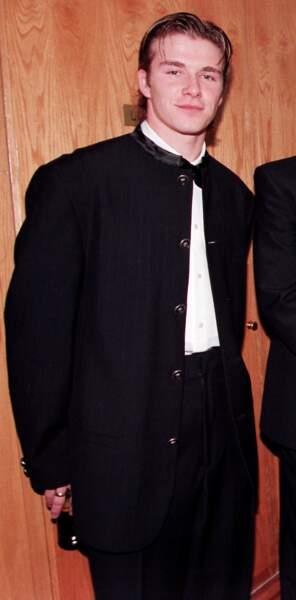 David Beckham en 1996: il a 21 ans et des petites mèches recouvertes de gel