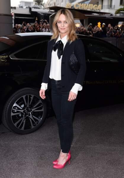 Cannes 2016: Vanessa Paradis hyper chic en Chanel et Karl Lagerfeld.
