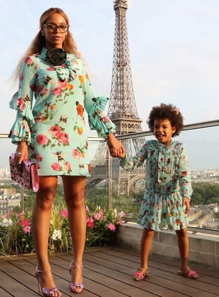 """Beyoncé et Blue Ivy trop mignonnes en mode """"touristes à Paris"""""""