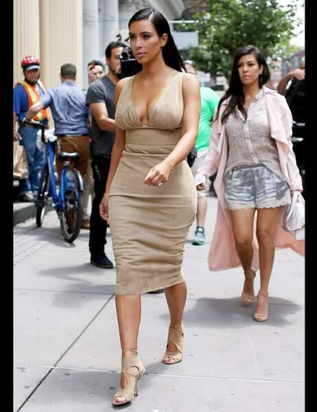 Kim Kardashian version Pocahontas sexy