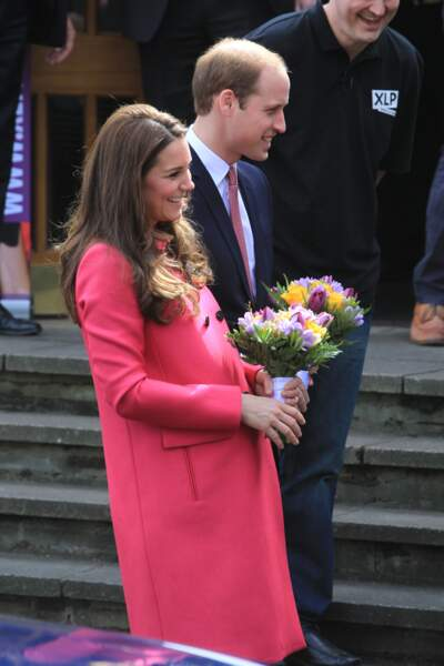 La dernière sortie officielle de Kate Middleton avant son accouchement aura été ponctuée de fleurs et de sourires
