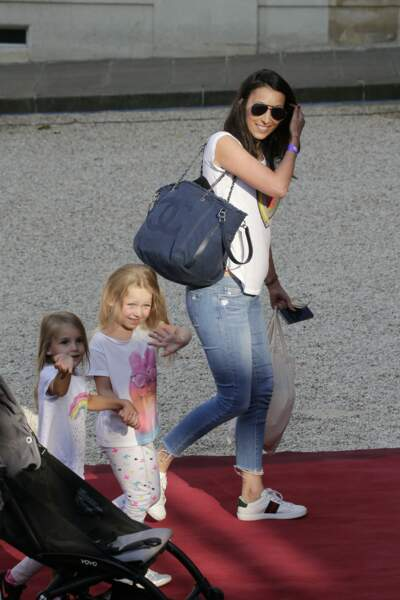 Les Bleus à l'Elysée après leur victoire : Jennifer Giroud, la femme d'Olivier Giroud, et leur fille Jade